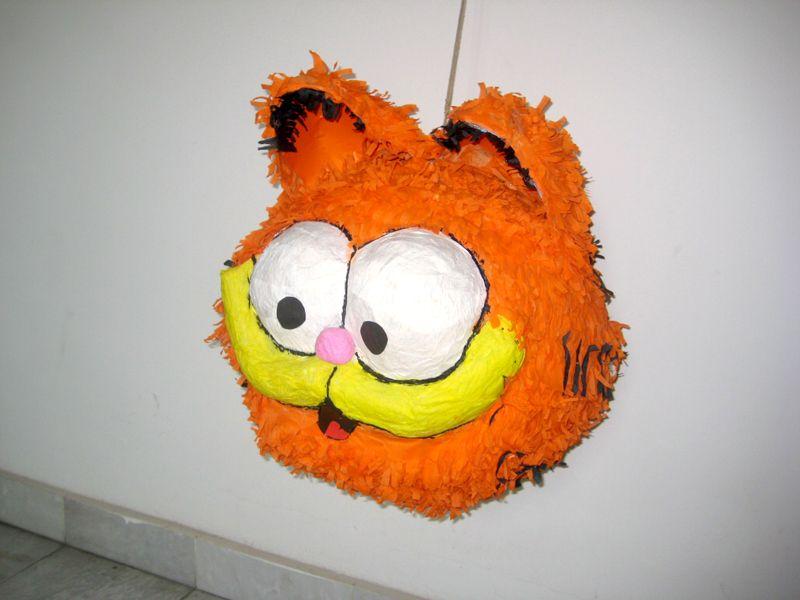 Гарфилд пињата - Garfield pinata