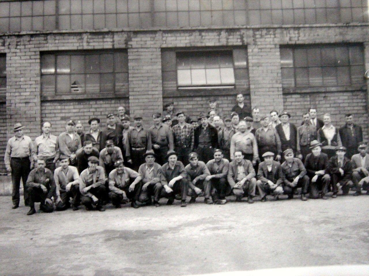 first crew at Carnegie Steel 1st bar=Jan.13, 1918, 18