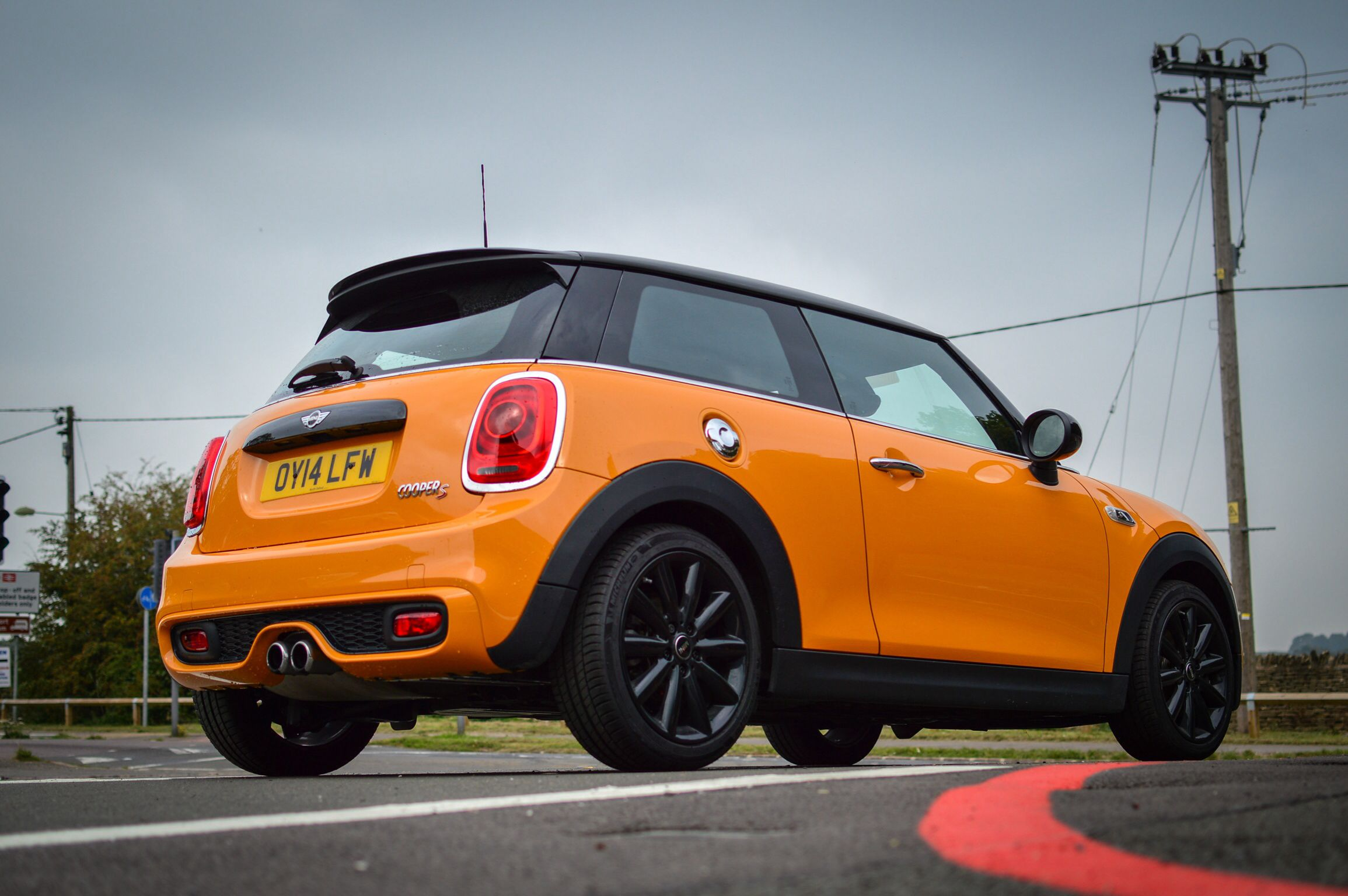 f56 mini cooper s volcanic orange cars pinterest mini cooper s mini and cars. Black Bedroom Furniture Sets. Home Design Ideas