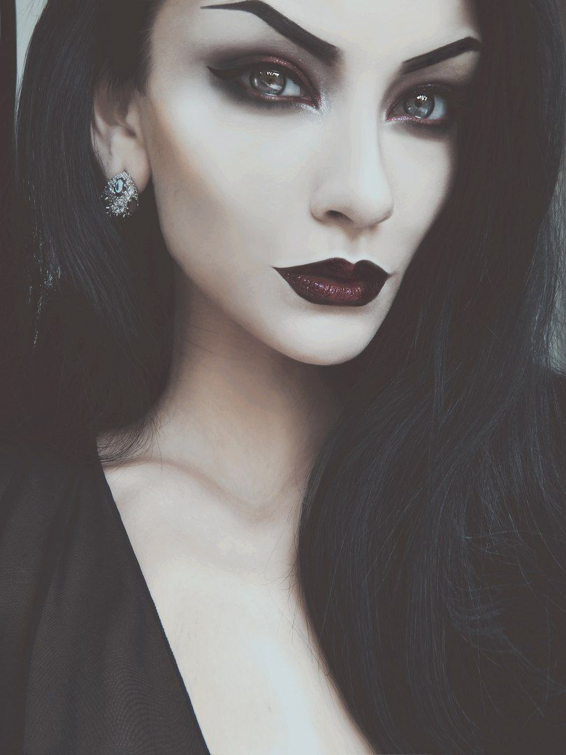 Pin By Abby Siddle On Halloween Make Up Pinterest Maquillaje - Maquillaje-de-vampiro-mujer