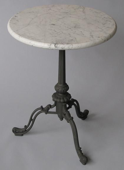 marmoripöytä