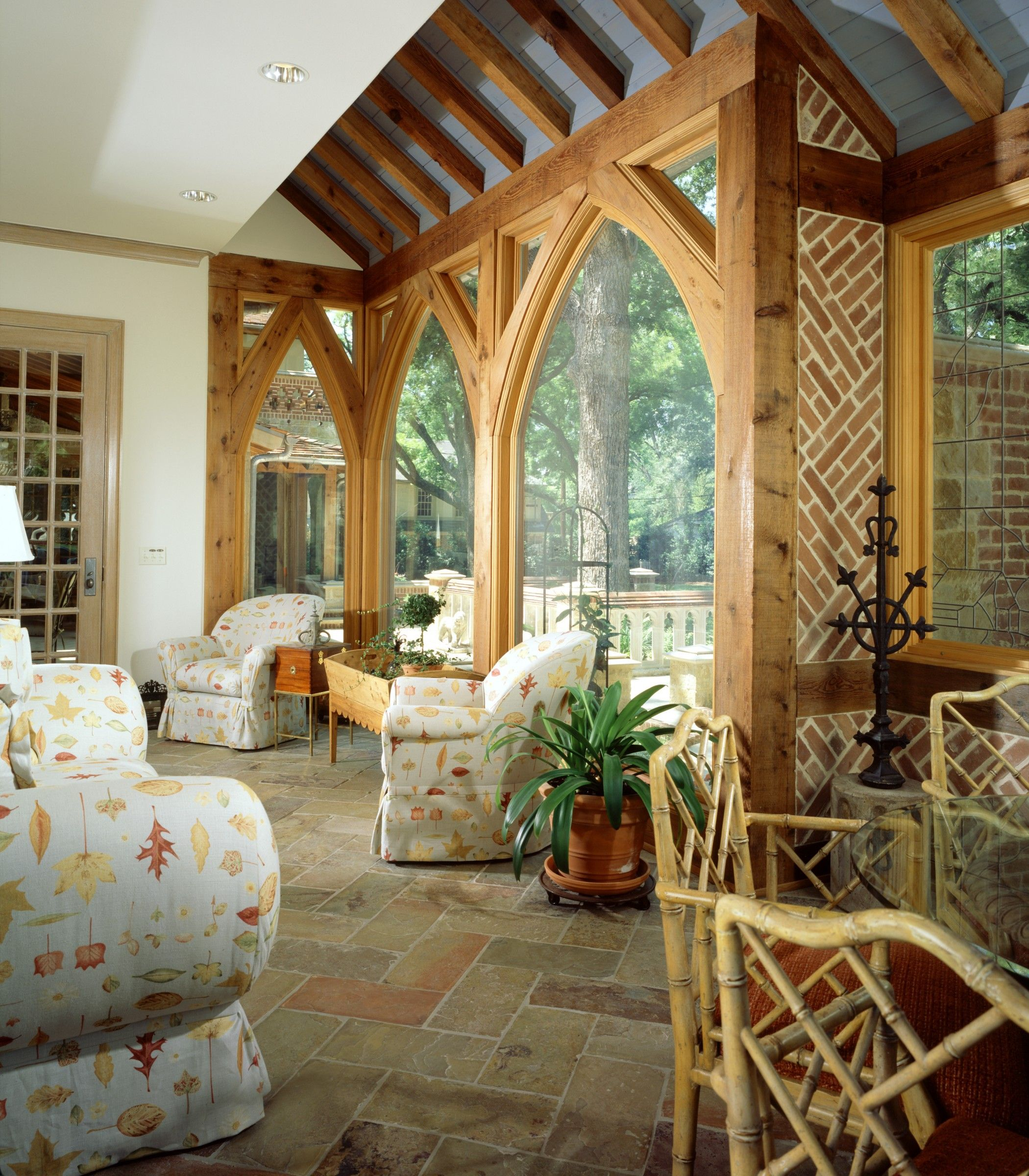 Landscape Lighting Highland Park: Outdoor Patio, Deck, Dining And Seating Area With Arched