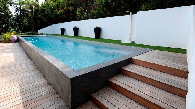 piscines les nouvelles tendances couloir de nage margelle et la paroi. Black Bedroom Furniture Sets. Home Design Ideas