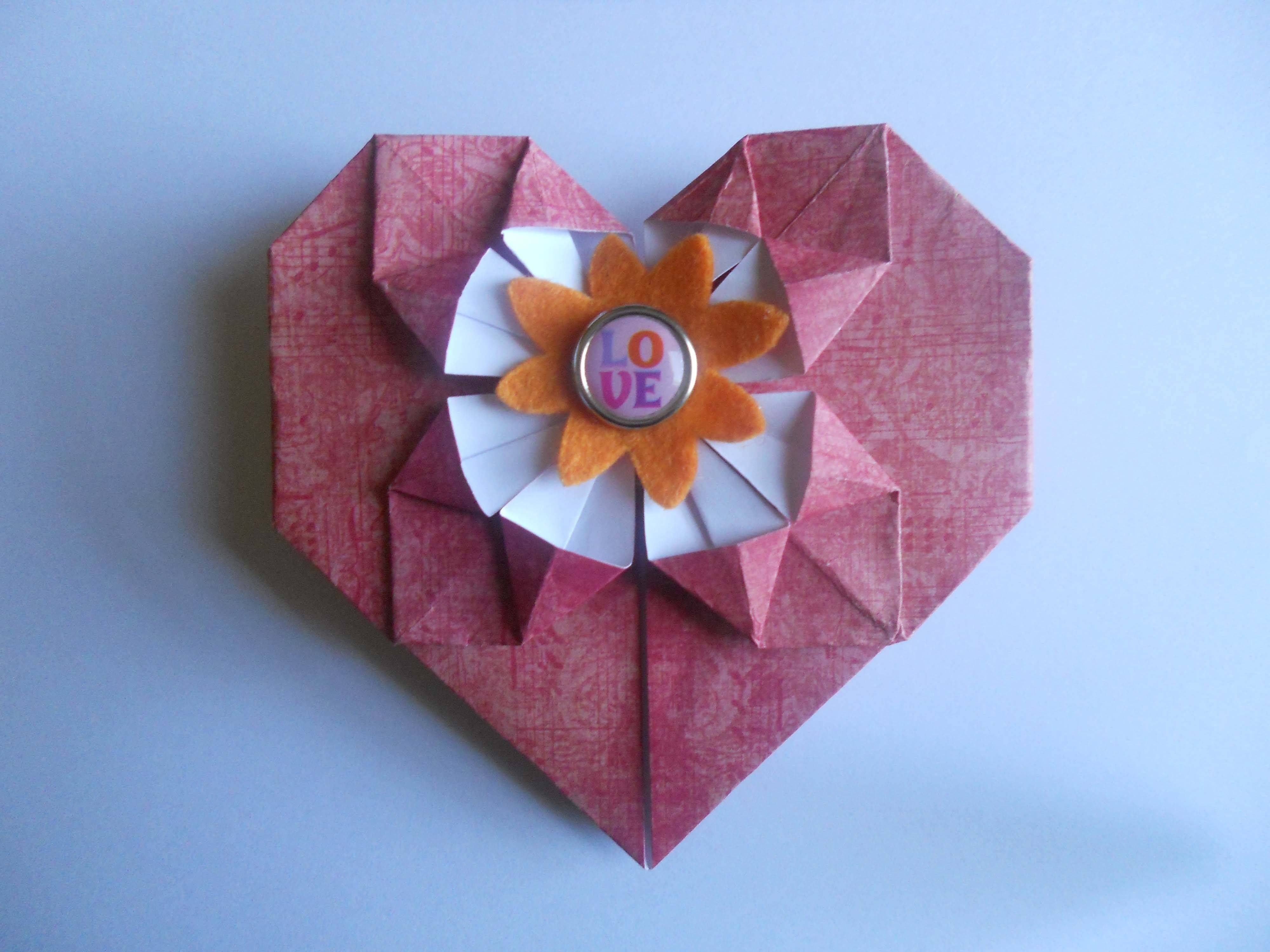 Heart W Flower In Center Origami Quilling Pinterest Origami