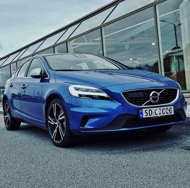 The New V40 R-Design In Bursting Blue Photo By