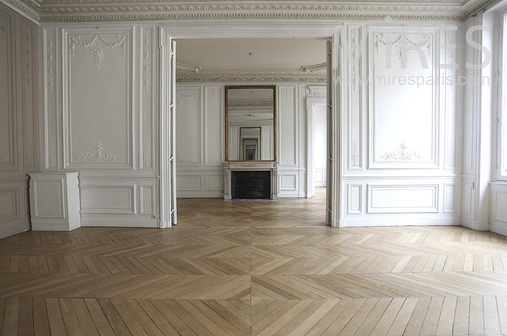 Double bright living room. C0927 | Mires Paris