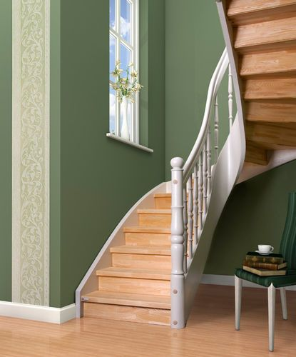 Best Classic Half Turn Design Staircase With Lateral Stringer 640 x 480