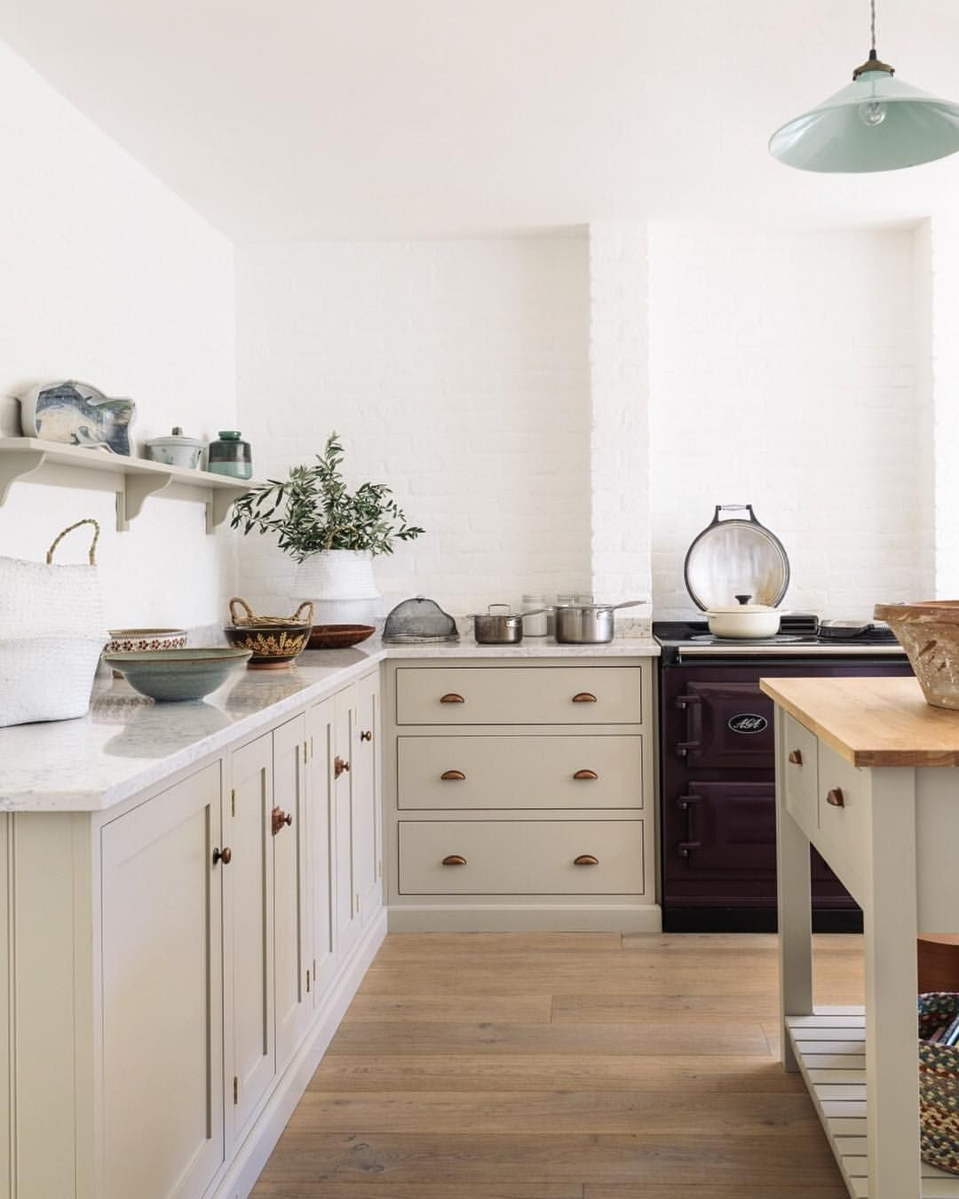 Devol Kitchens Devolkitchens On Instagram Beautifully Simple Shaker Cupboards Painted In Mushroom With Taupe Kitchen Kitchen Design Kitchen Inspirations
