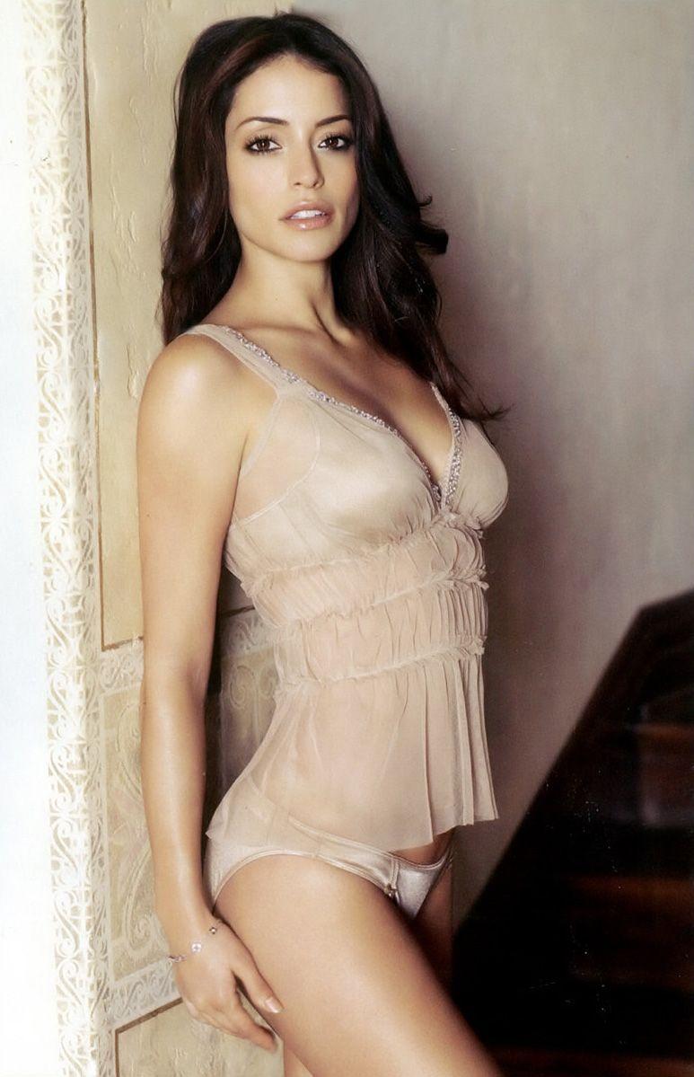 Emmanuelle vaugier lingerie