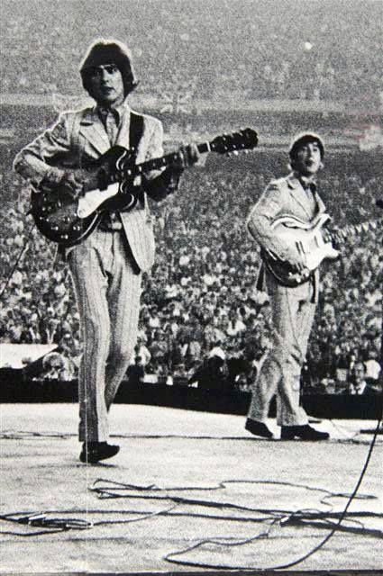 george harrison and john lennon shea stadium 1966