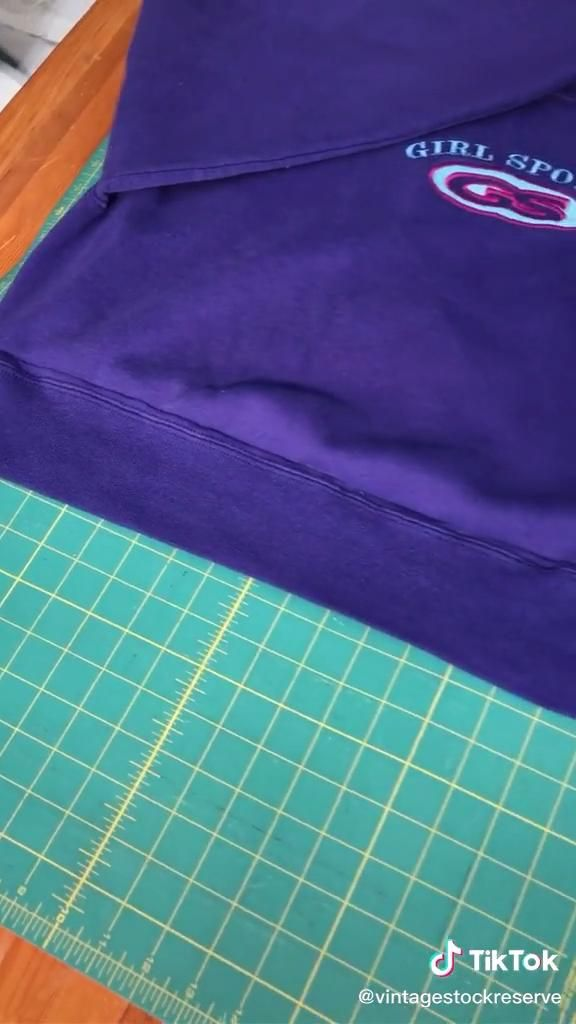 How To Crop A Jumper Top Video In 2020 Clothing Hacks Sewing Projects Sewing Lessons