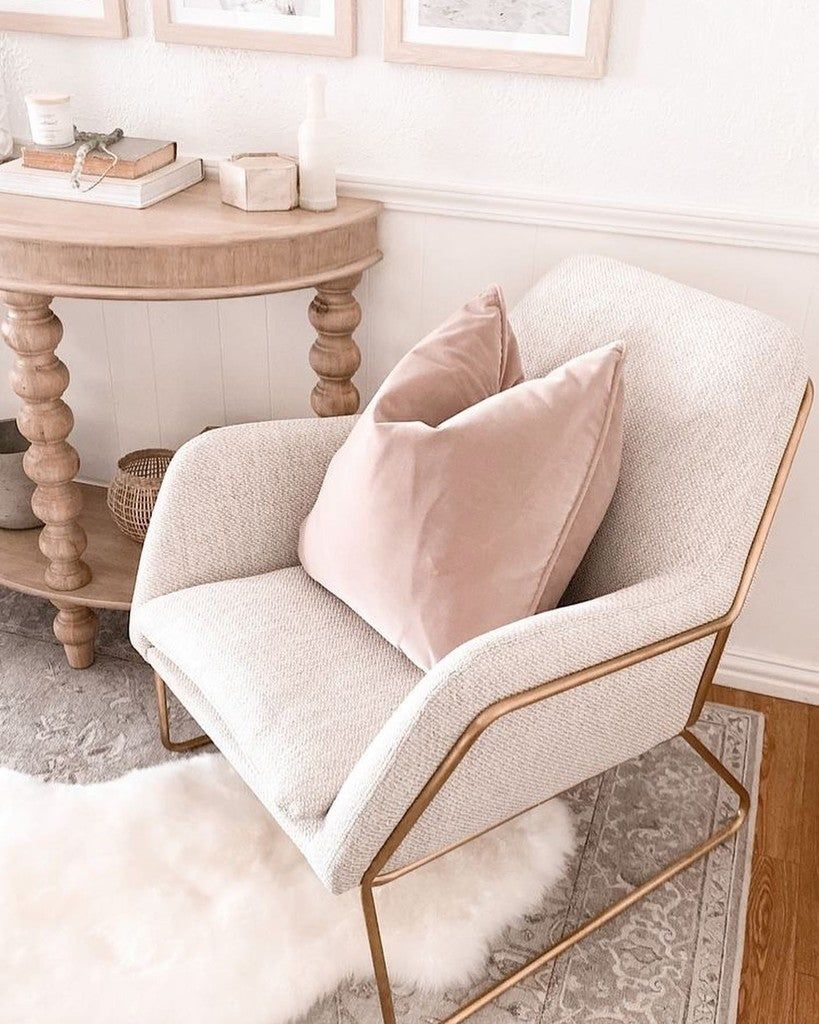 Totally in love article 💗 . . . . #article #pinkdecor #loungechair #loungechairs #dreamdecor #dreamdesign #myhomestyle #myinterior #myinteriorsquares #decolovers #decoracioninteriores #morderndecor #quarantine #puffdecorativo #allinpink #homesweethome #followforfollowback #luxurylifestyle #luxuryhomes #interiorismo #pinterest #inspohome #inspodecor #inspodecoracion #inspotoyourhome