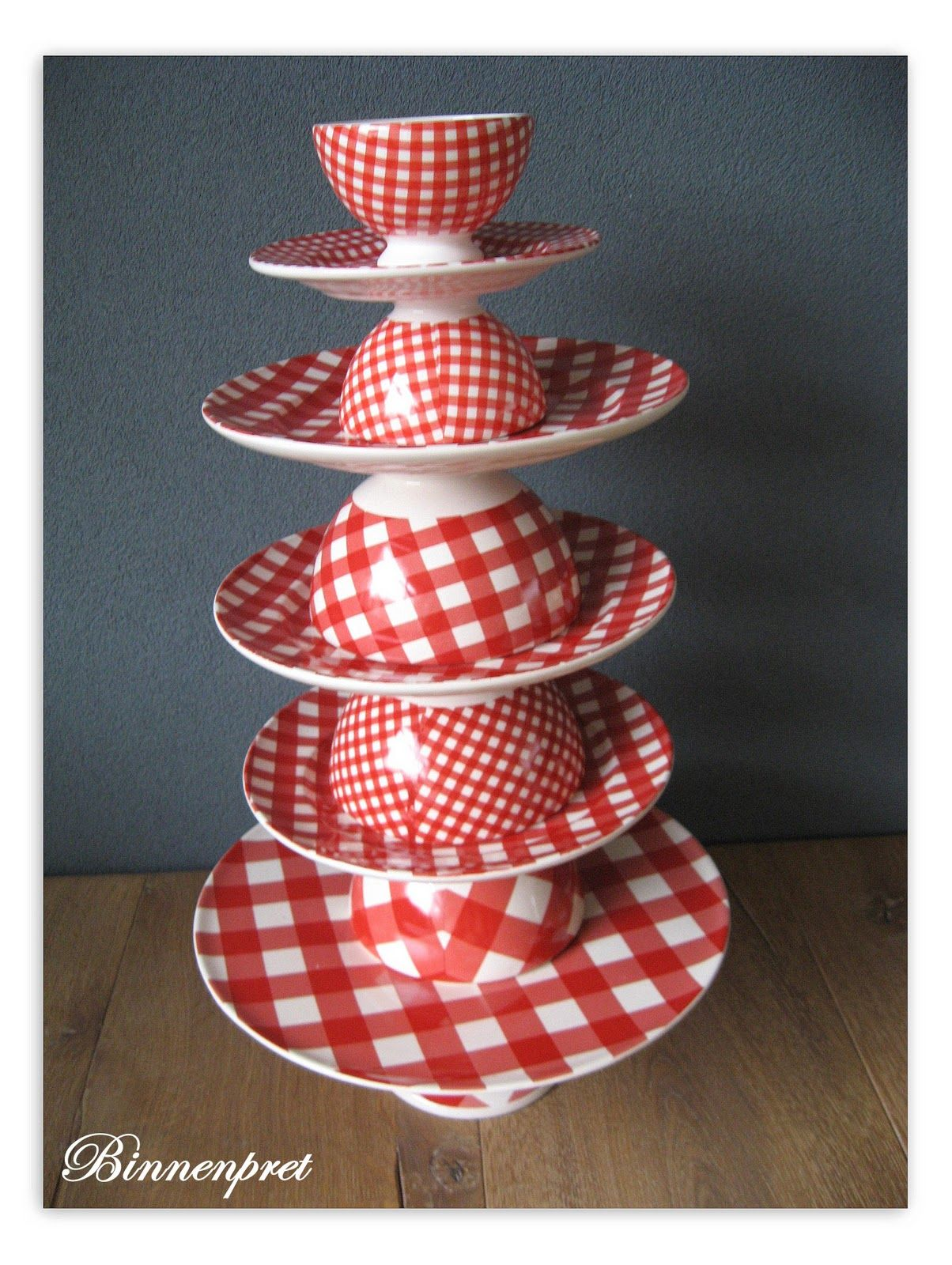 These Great Gingham Dishes Are Designed