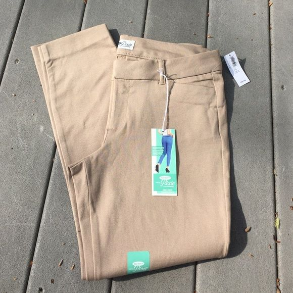 NWT Tan Pixie Pant Old Navy tan Pixie pant. Size 10. New with all tags. Fits to the ankle length Old Navy Pants Ankle & Cropped
