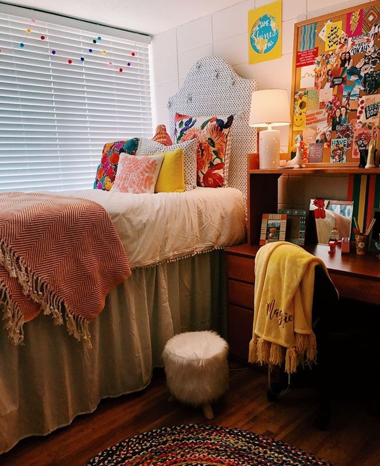 Pin By Car Line On Dorm Room Dorm Room Inspiration Dorm Room Diy Dorm Room Designs