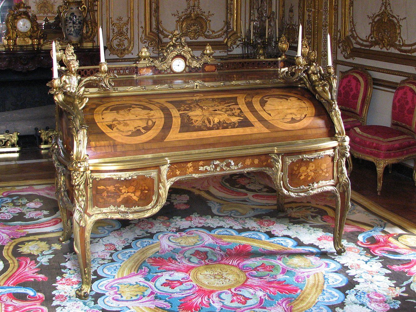 secr taire cylindre le bureau du roi jean fran ois oeben 1721 1763 et jean henri riesener. Black Bedroom Furniture Sets. Home Design Ideas
