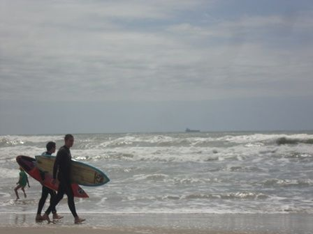 liberdade ao pisar na areia