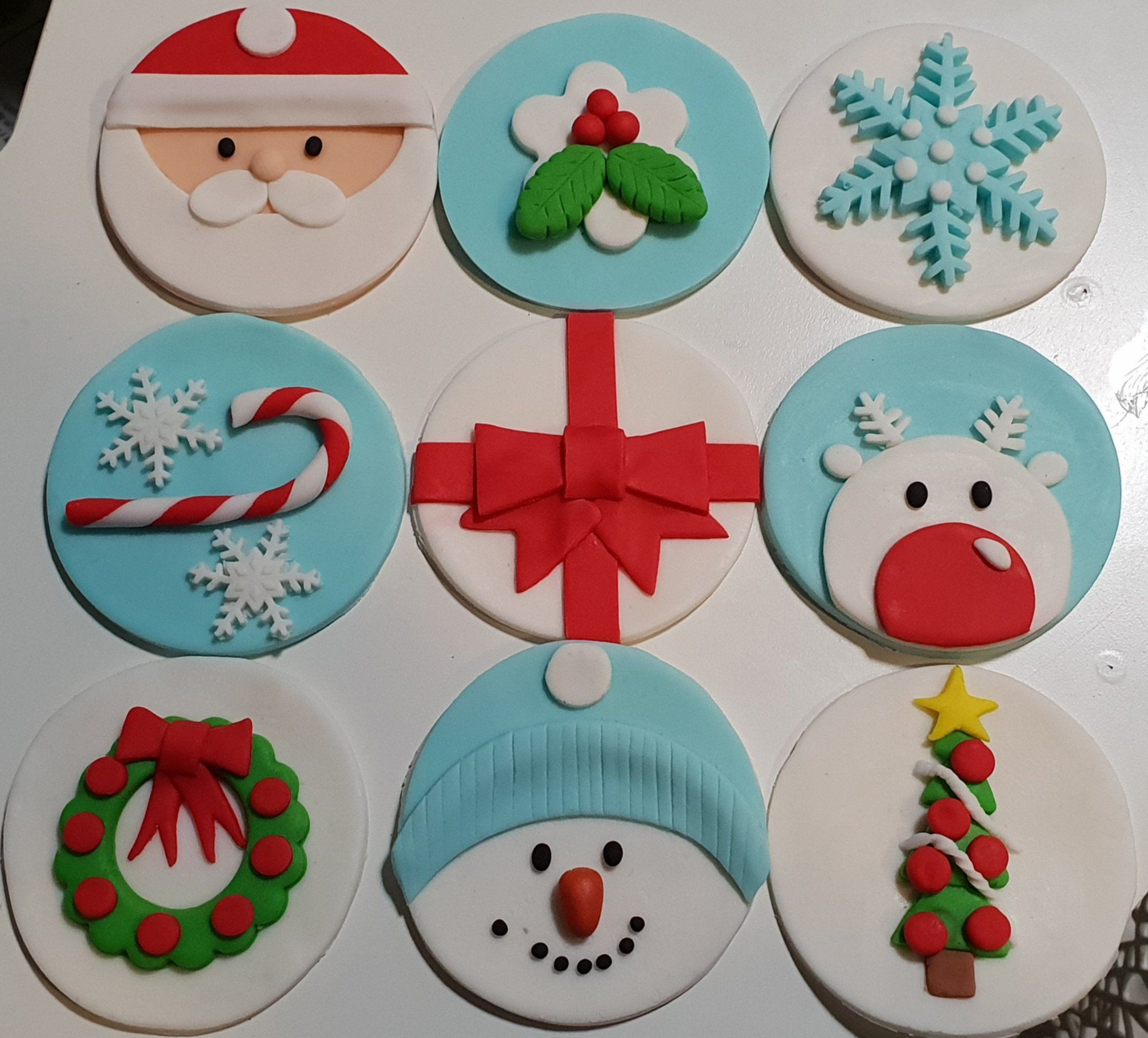 Fondant Christmas Cup Cake Toppers