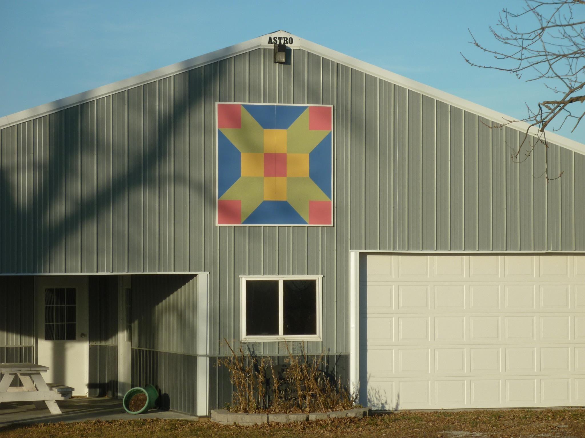 Joyce S Barn Creston Iowa Quilt Shop Barn Quilt Quilts