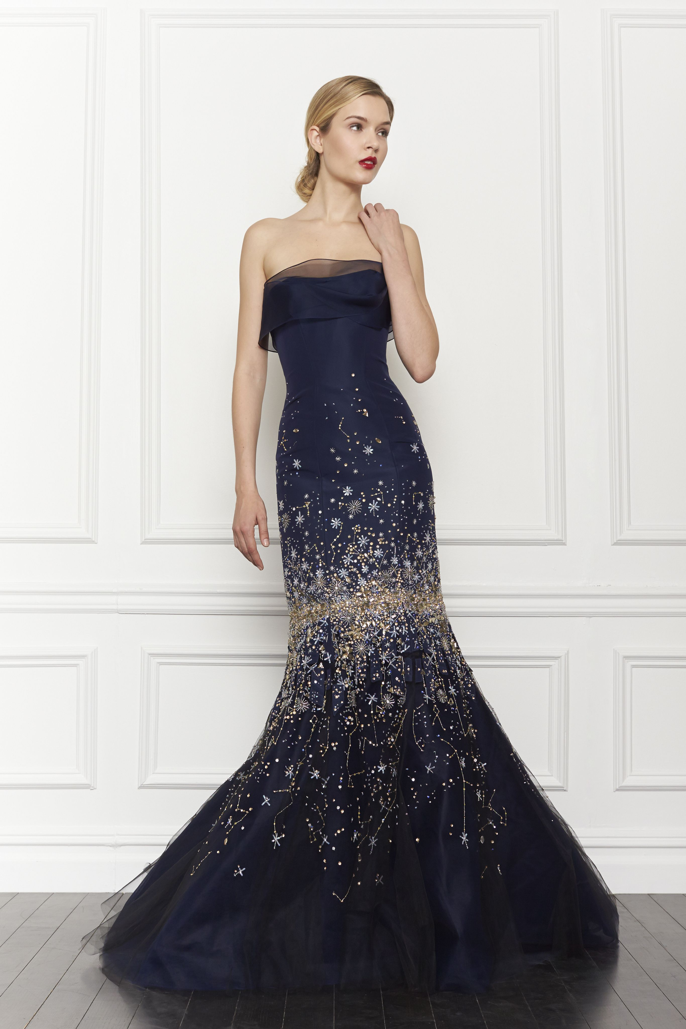 Another Carolina Herrera navy evening gown beauty | I\'vE GoT tHe ...