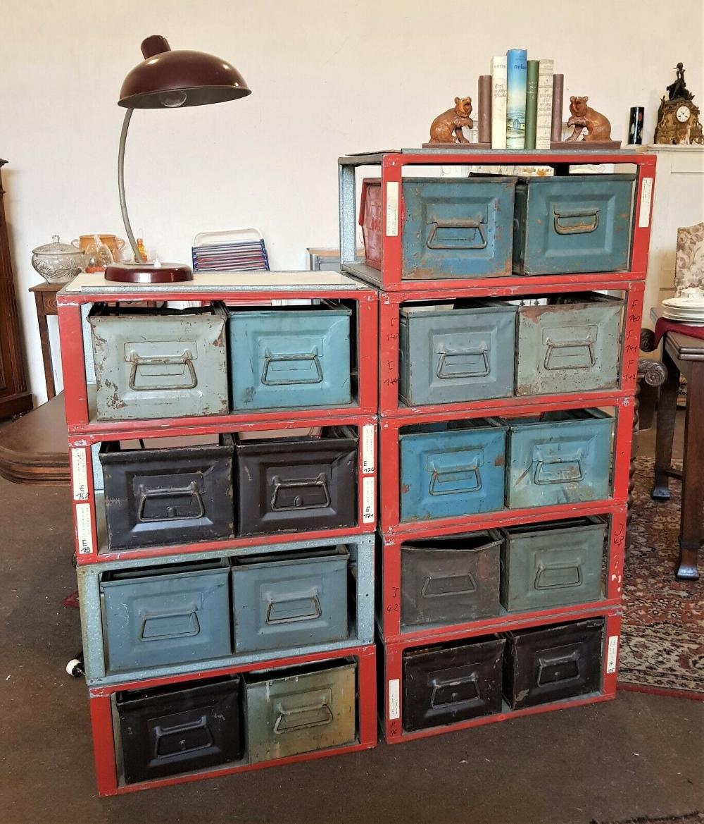 Stapelkisten Stapelbox Metall 70er Industriedesign Schrank Loft