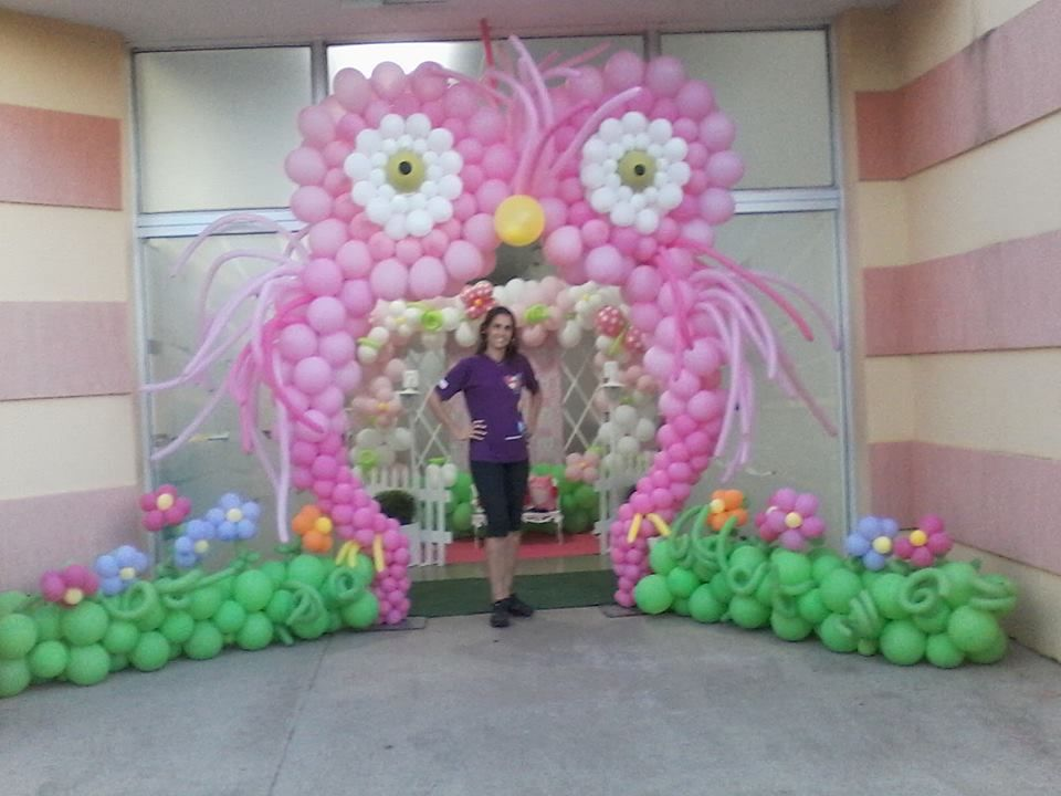 Owl balloon arch omg too cute i wish haha amazing