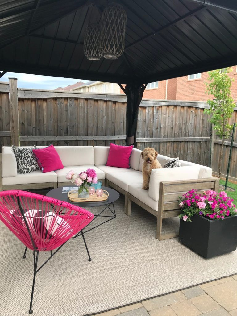 5 Tips to Creating a Backyard Living Room with Canadian