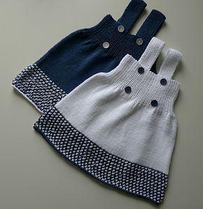 Poppikjole pattern by Kairi Aksnes #knitteddollpatterns