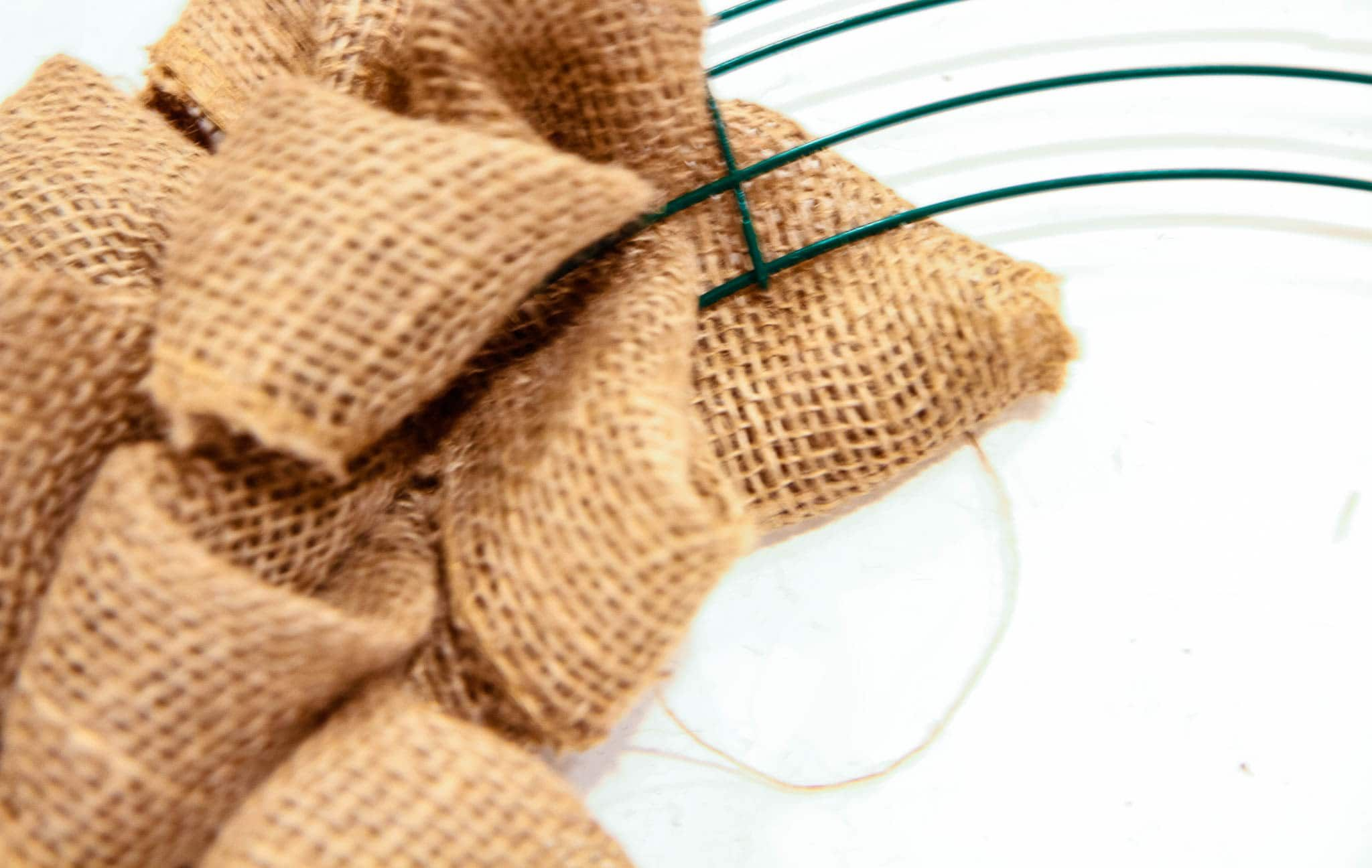 Photo of The Easiest Burlap Wreath You Could Ever Make (VIDEO)