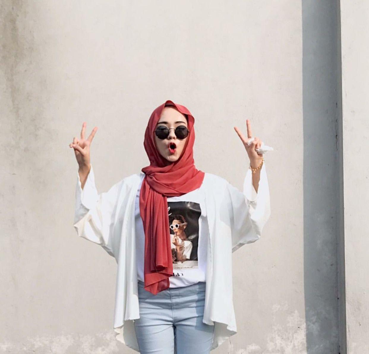 Pin Oleh Choa Di Hijabis And Style Model Pakaian Model Pakaian Hijab Gaya Hijab