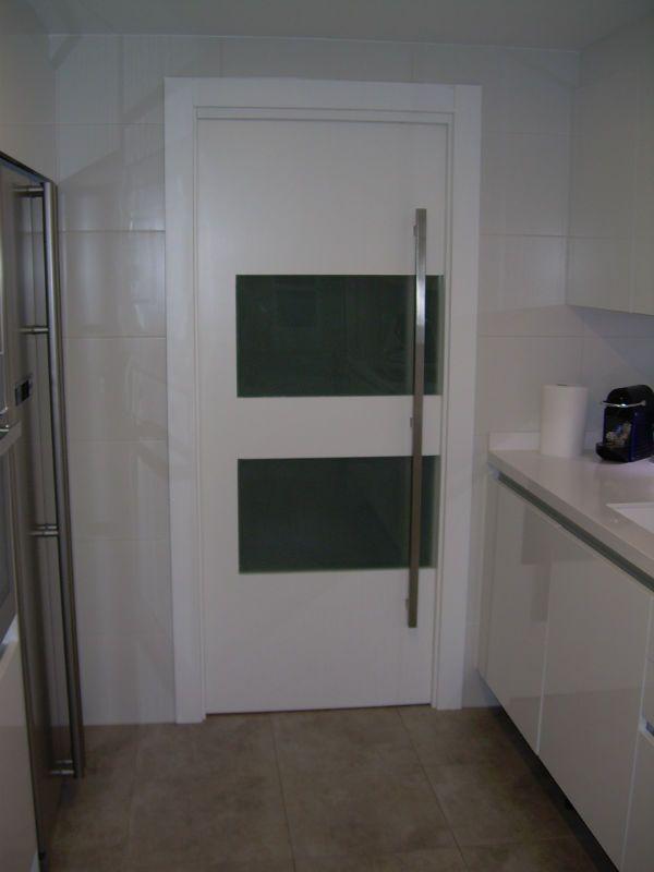 Puertas correderas para cocina foto cocinas mis for Ideas de puertas correderas