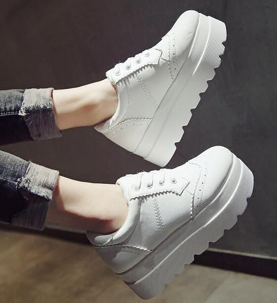 9777bae46c1 Womens High Hidden Wedge Platform White Creepers Lace Up Carving Shoes I178