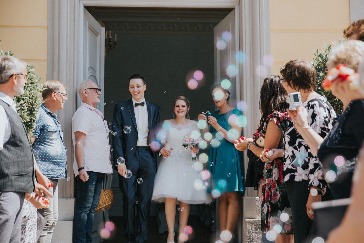 Auszug Standesamt Hochzeitsfotografie Hochzeitsfotograf Hochzeit Bilder