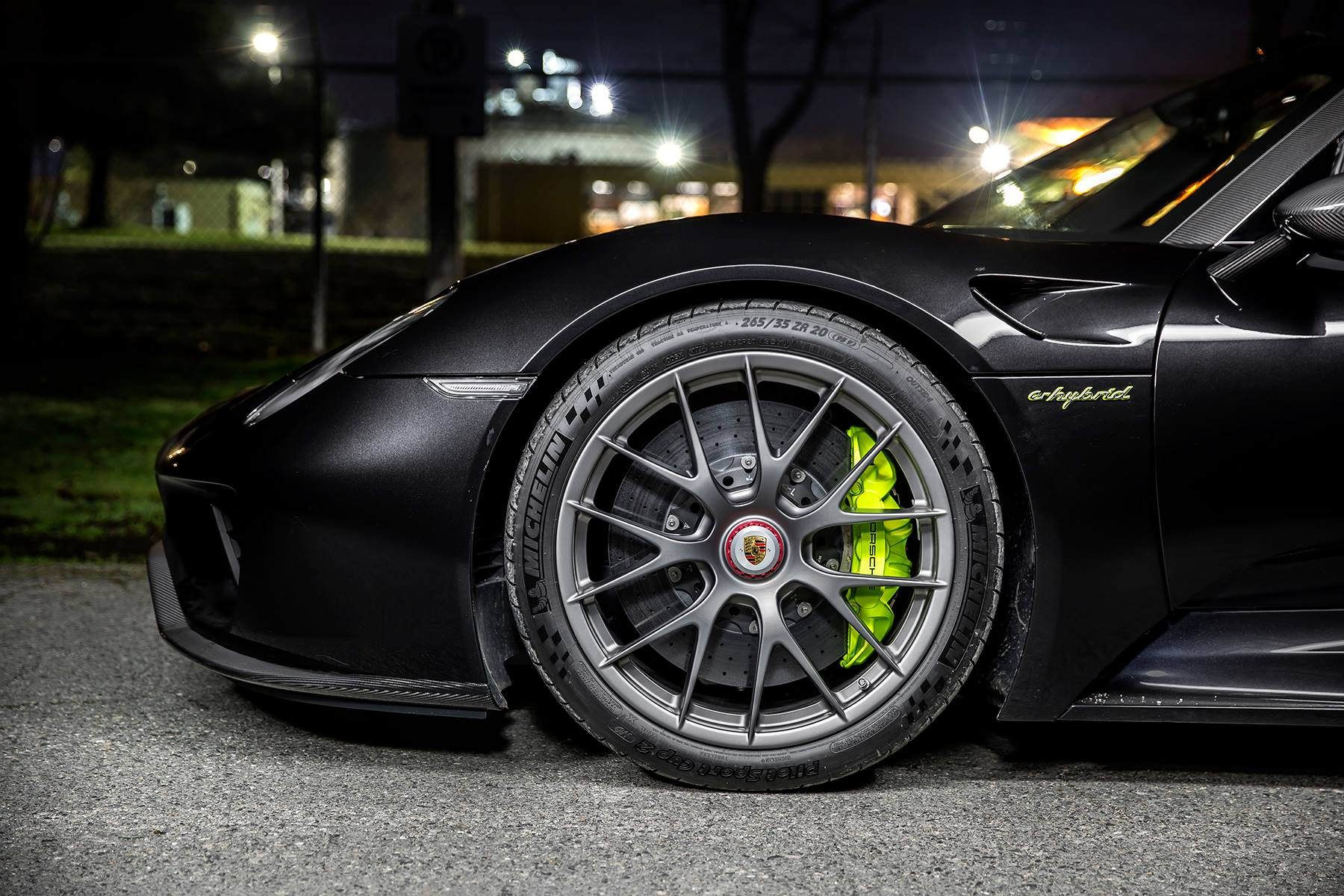 awesome black porsche 918 spyder w weissach package front wheel image gallery porsche 918. Black Bedroom Furniture Sets. Home Design Ideas