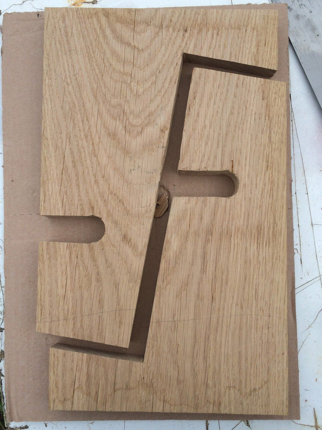 build this simple guitar stand from a single board of wood in 2019 for saigey. Black Bedroom Furniture Sets. Home Design Ideas