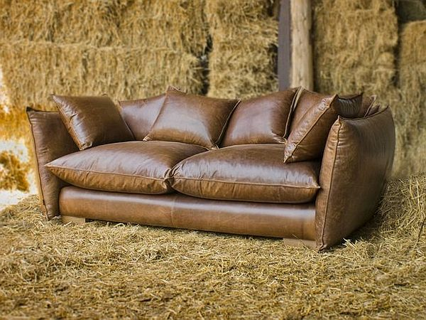 Vintage Style Leather Sofas Could Add To The Retro Look Vintage Leather Sofa Vintage Style Leather Sofa Leather Sofa