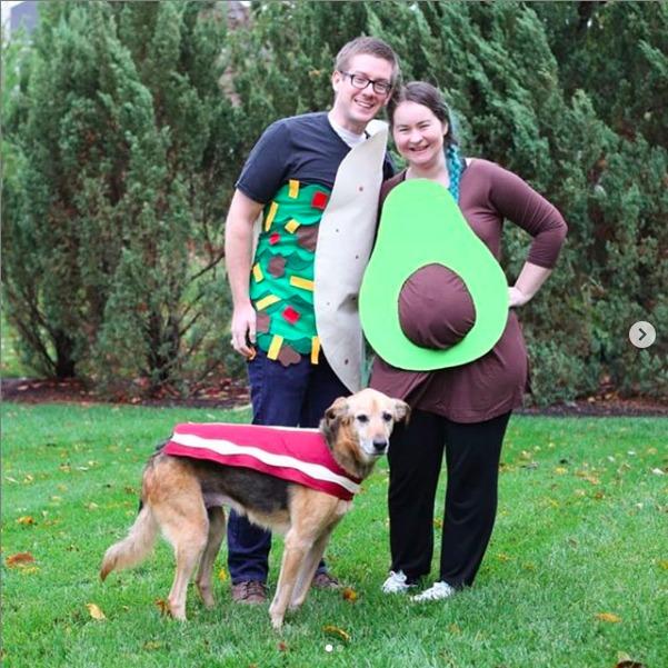diy pregnant avocado costume taco and bacon diy
