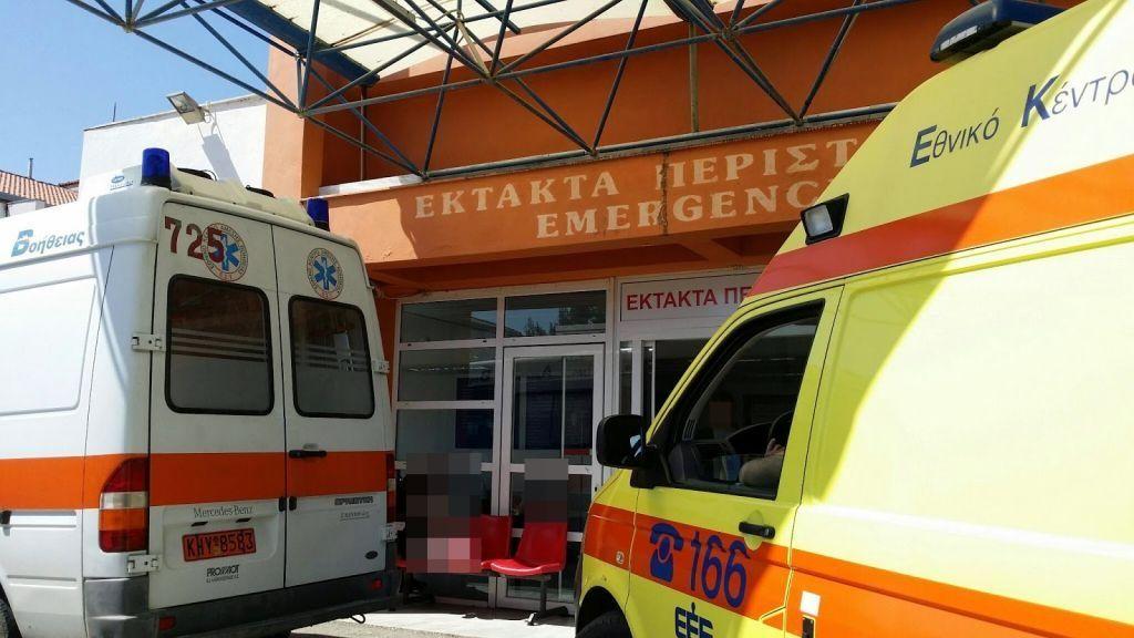 Πρέβεζα: Δικυκλιστής μεταφέρθηκε στον νοσοκομείο έπειτα από τροχαίο με ΙΧΕ