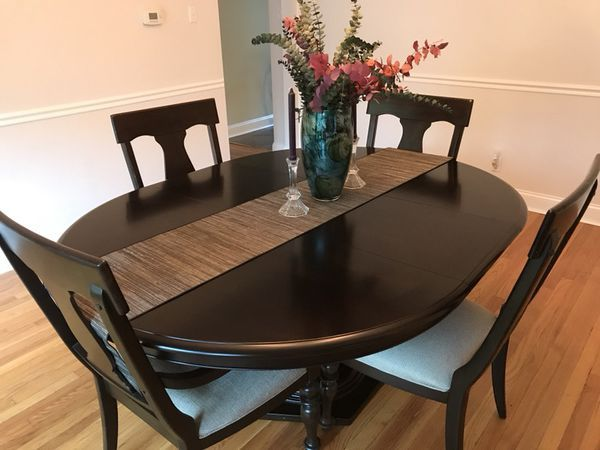 Oval Dining Room Table With 6 Chairs Table Extends Furniture