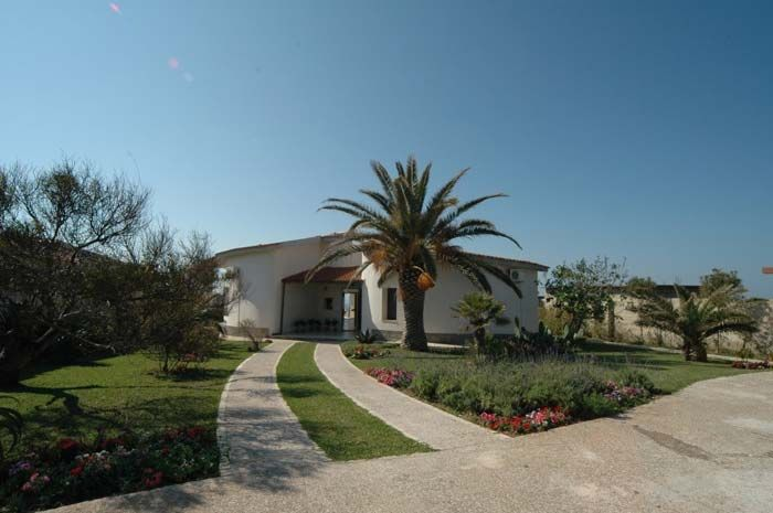 Brilliant Country Homes For Sale In Belize Italian Property Waterfront Largest Home Design Picture Inspirations Pitcheantrous