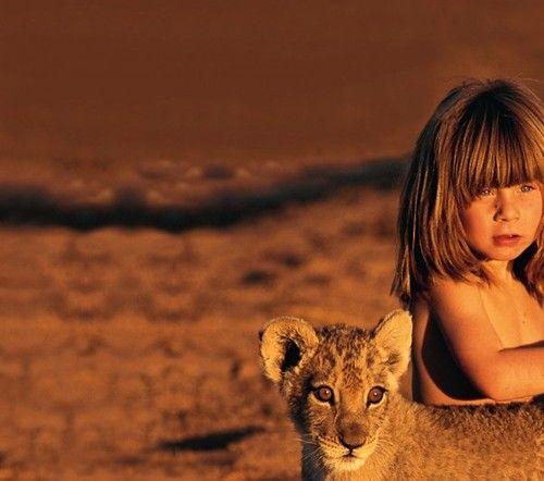 Tippi Benjamine Okanti Degré, daughter of French wildlife photographers Alain Degré and Sylvie Robert, was born in Namibia.
