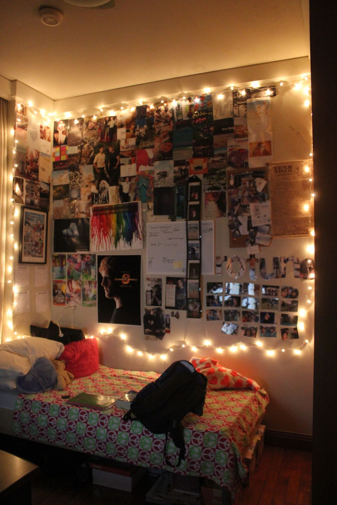 Hi This is my bedroom now I m 14 years old and I live in the