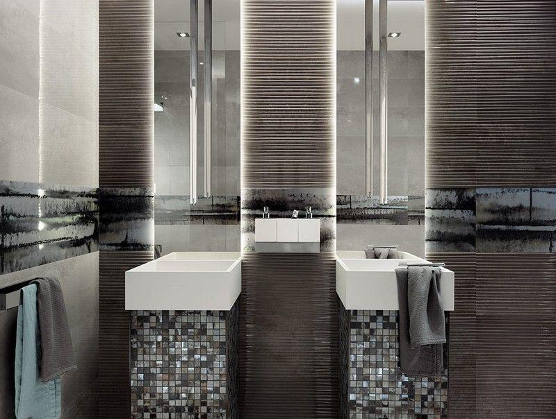 Badezimmer Fliesen Mit Mosaik Und Streifen Motiven