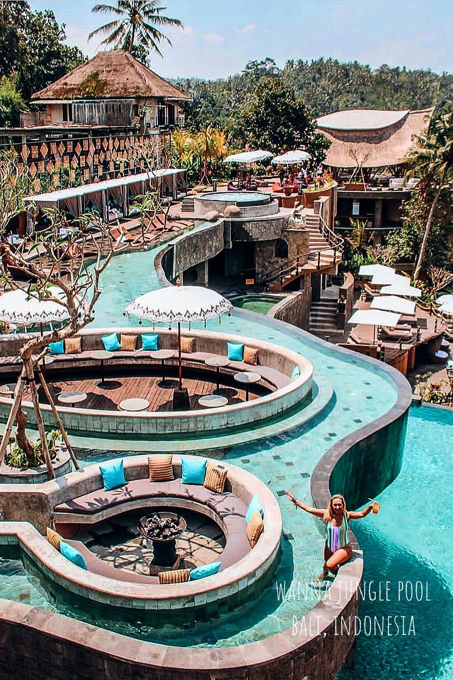Wanna Jungle Pool And Bar In Bali Indonesia The Kayon Jungle Resort Is Designed For Traveller Who Looking For A Luxury Jungle Resort Resort Pools Bali Resort