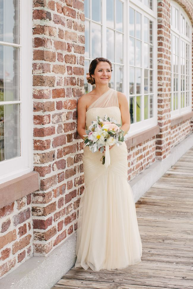 beautiful wedding dress by Monique Lhuillier Brunch