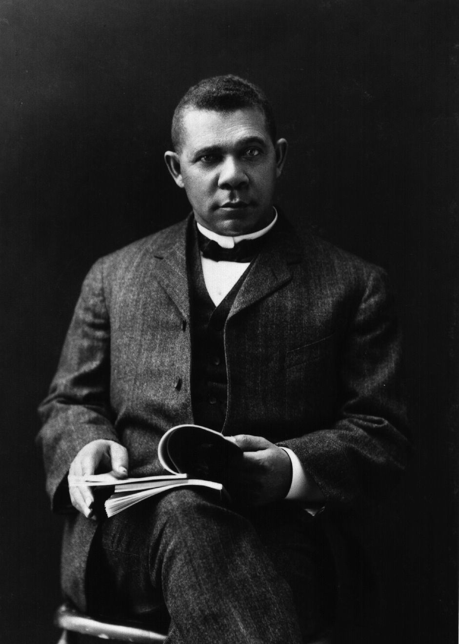 booker t washington writings Booker t washington, educator, reformer and the most influentional black  offers a lengthy biographical summary and a bilbiography of his writings and books.