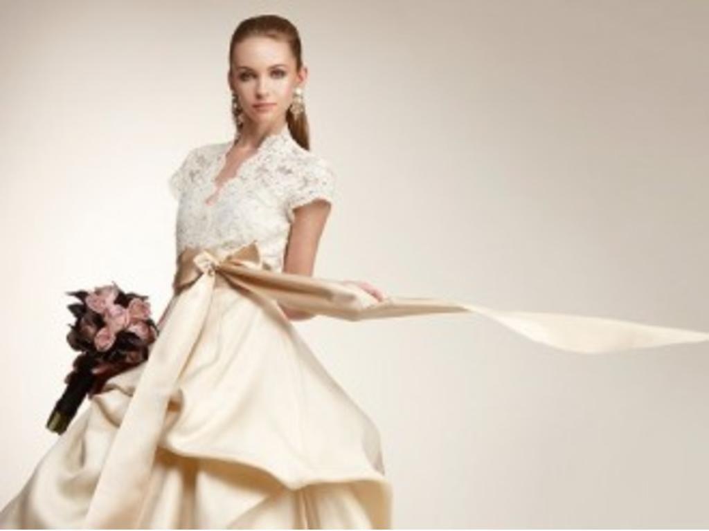 Monique lhuillier jacqueline coco 400 size 10 used wedding monique lhuillier jacqueline coco 400 size 10 used wedding dresses ombrellifo Images