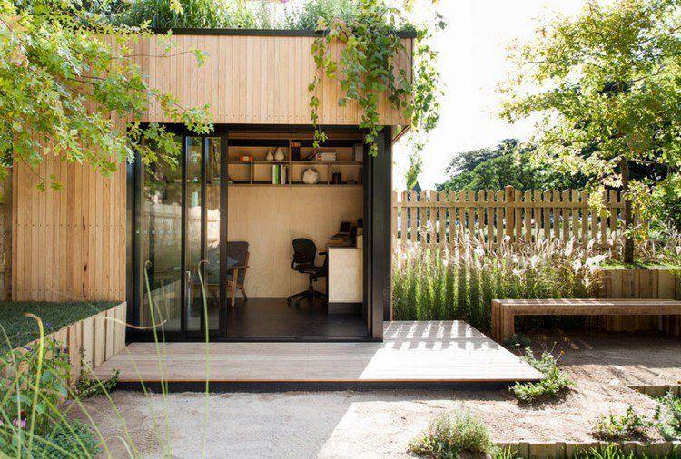 Bureau de jardin fonctionnel avec revêtement extérieur en bois