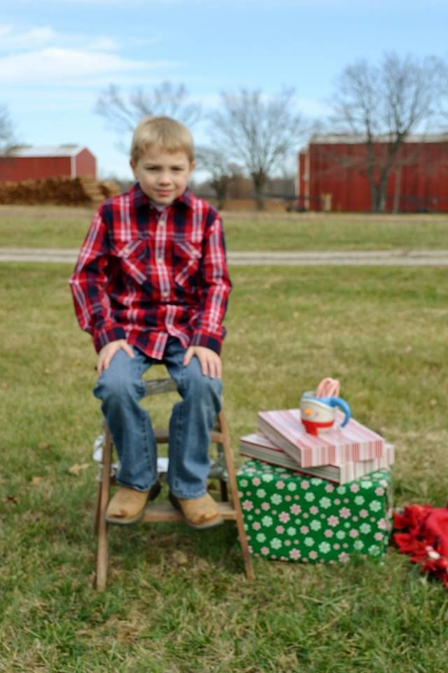 #christmas #christmasphotoshoot #christmasphotography #christmascard #2014 #farmchristmas #countrychristmas #tractor #truck #christmasmugs #merrychristmas #holidays #happyholidays #holidayphotoshoot