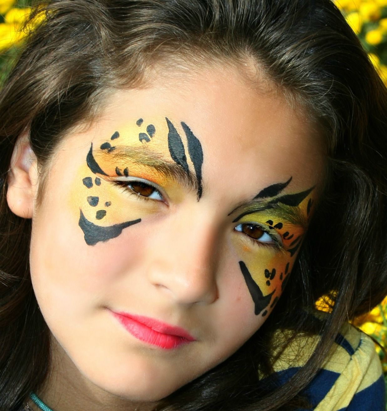 Super simple, fast design face painting from Extreme Face